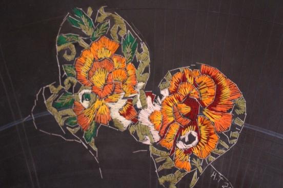 Title: Kruisbestuiwing Medium: Cotton thread, wood and rubber Size: 61 x 31 cm