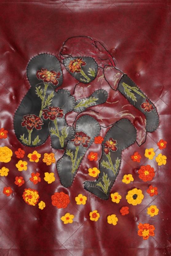 Title: Plant voort Medium: textile, cotton thread and rubber Size: 112 x 94 cm