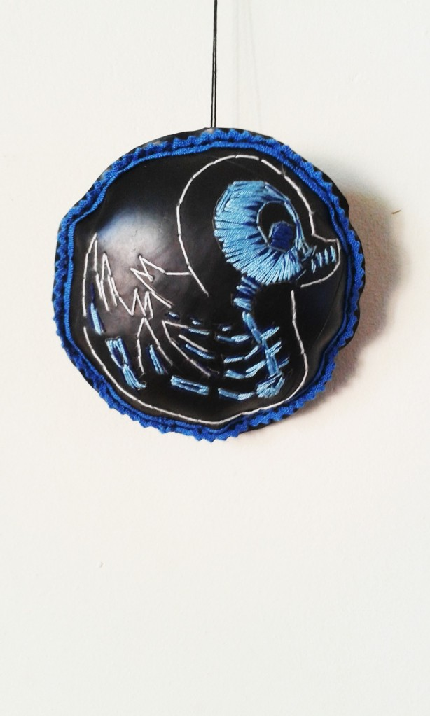 Bluebird of happiness 2015 Cotton thread, batting and rubber 16 cm diameter